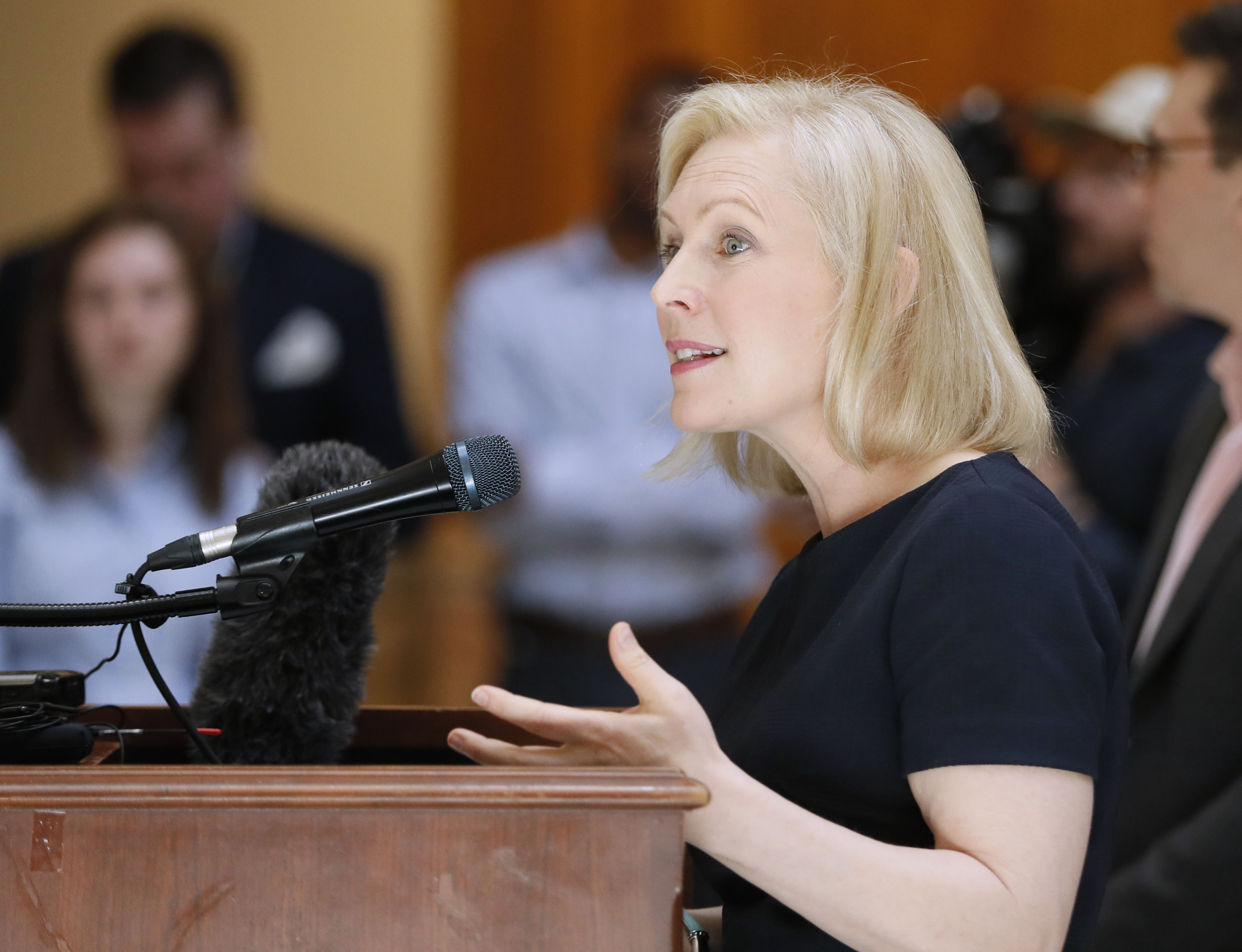 2020 Democrat Kirsten Gillibrand won't detain migrants: 'They can go into the community'
