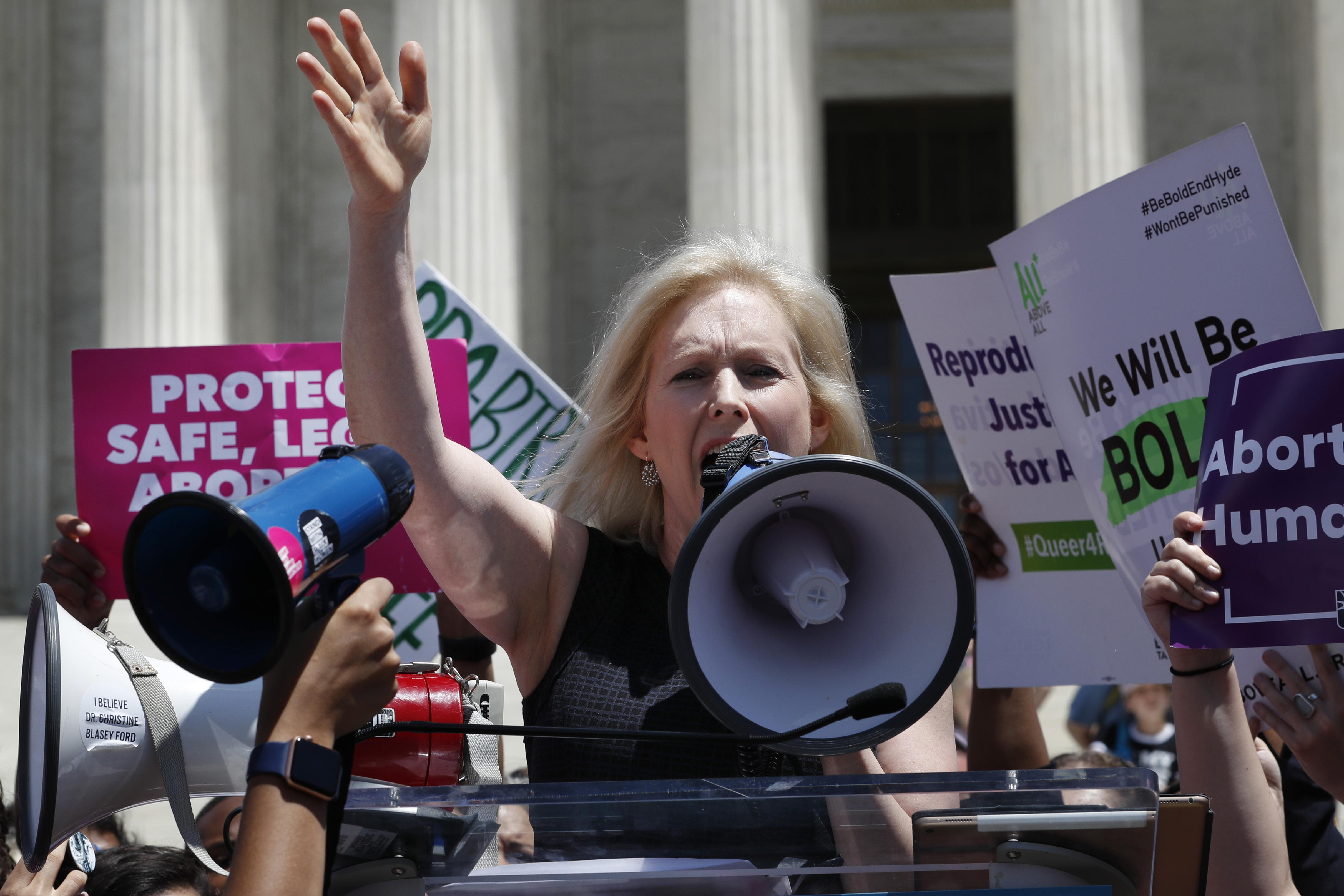 Kristen Gillibrand vows to help women candidates fundraise after ending White House campaign