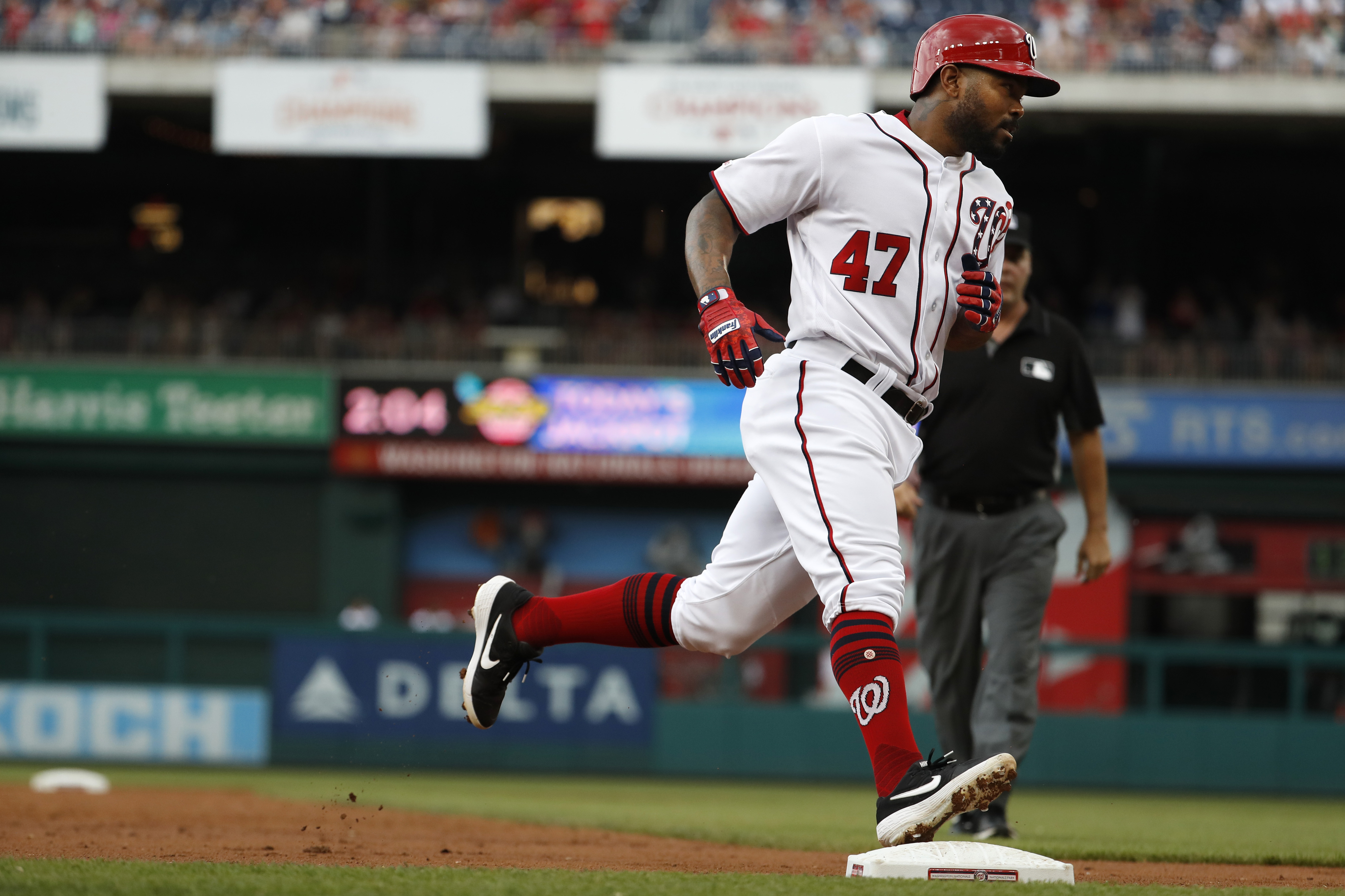 Nationals top Marlins, win three straight for first time this season
