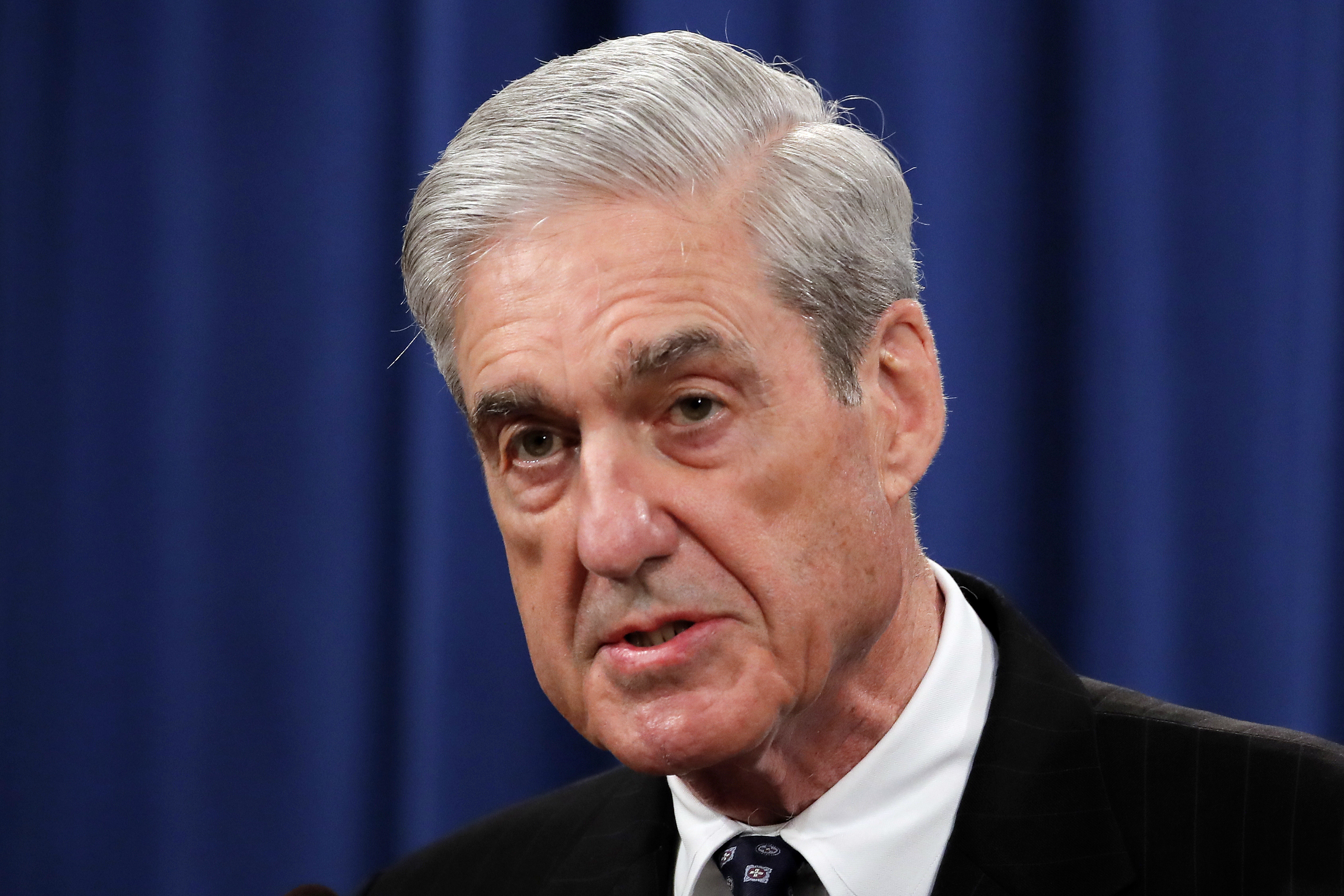 Starved for attention, Mueller pulls a Jim Comey