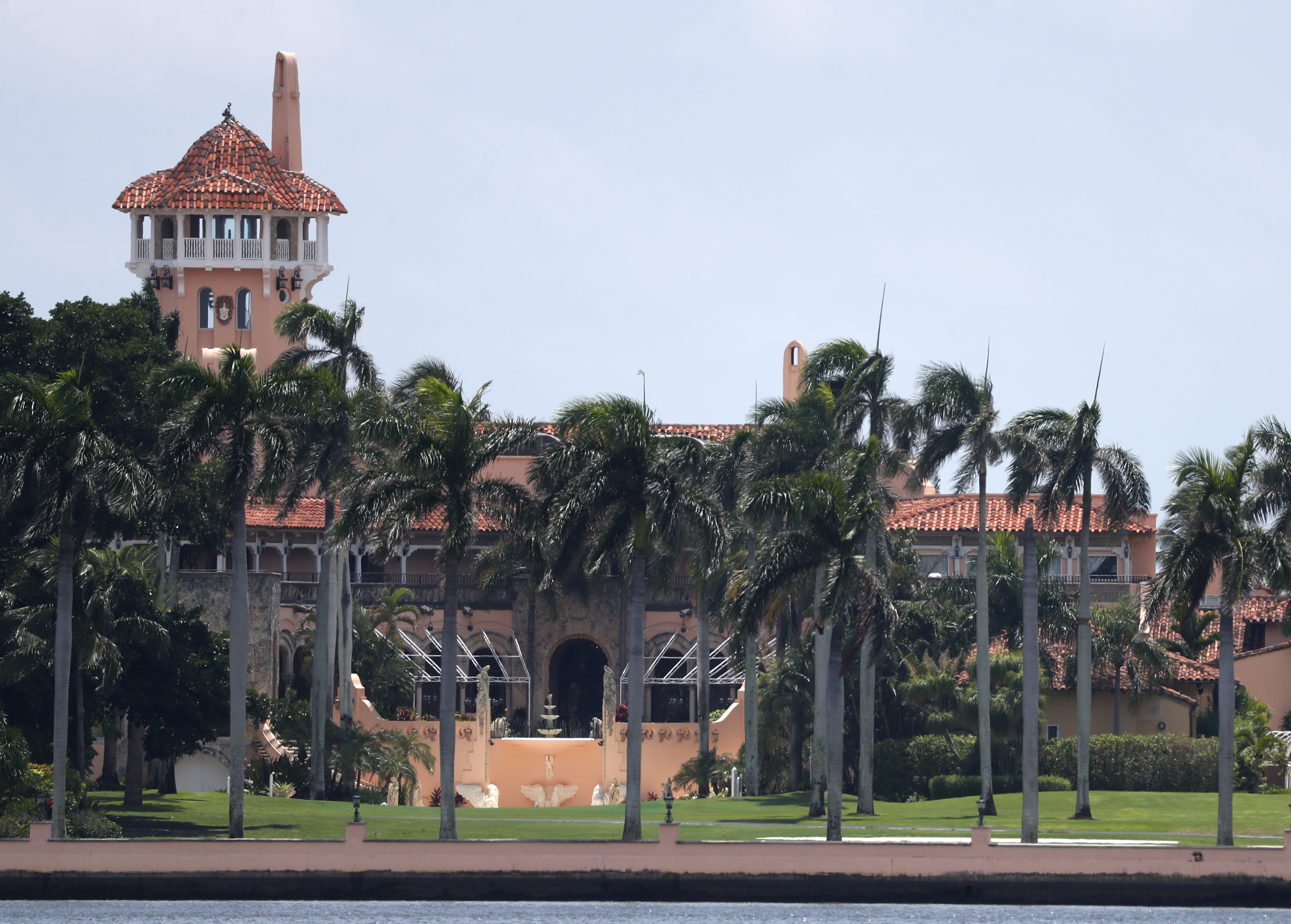 CAIR, SPLC pressure Mar-a-Lago to drop 'hate group' event as conservatives push back