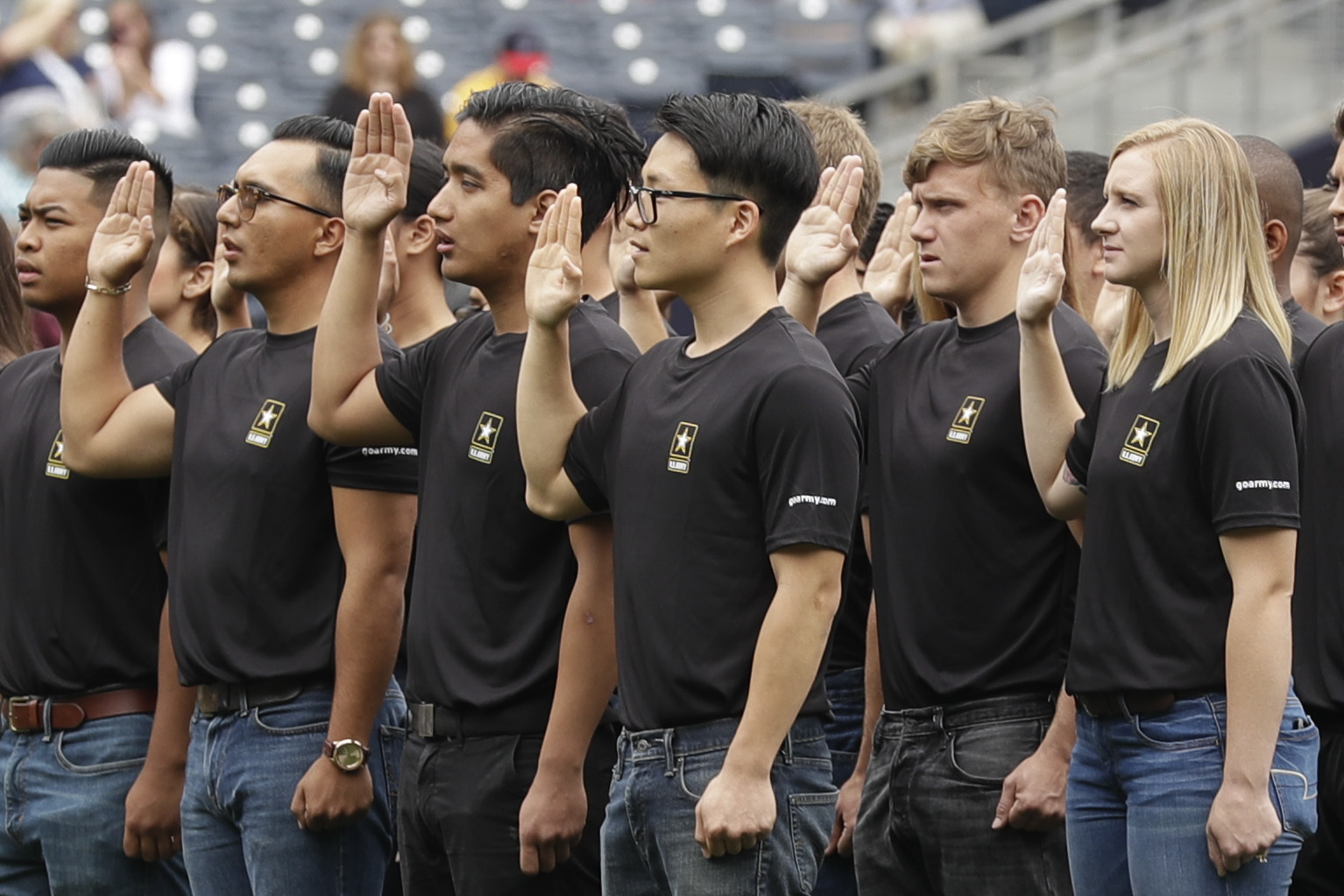 Military recruiting woes spur debate over enlistment age