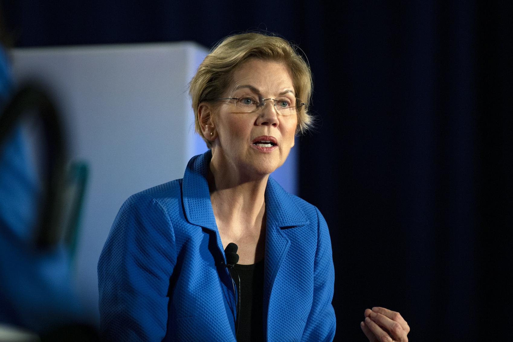 Elizabeth Warren warns Trump economy headed for a crash