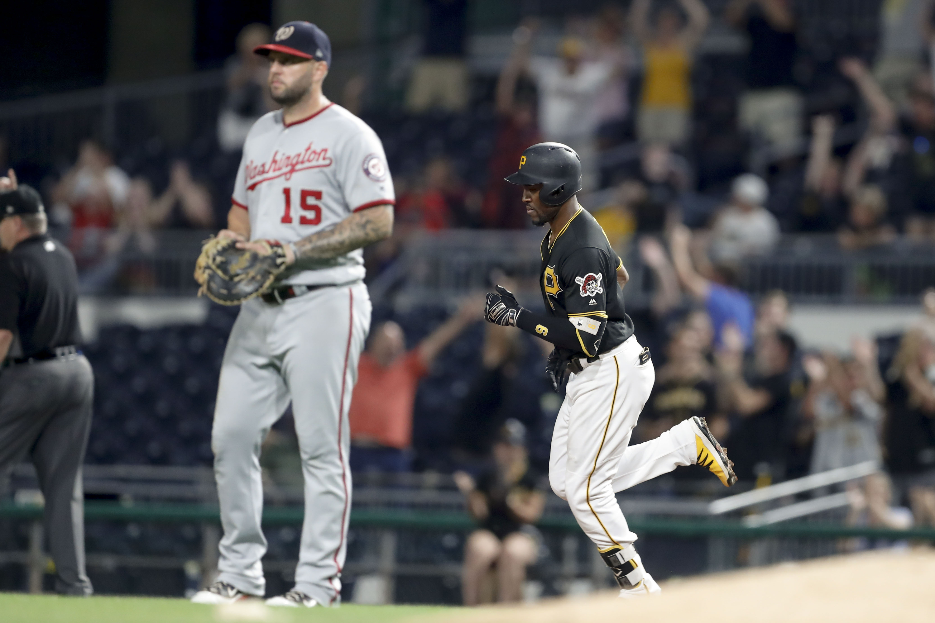 Nationals squander late lead, lose to Pirates