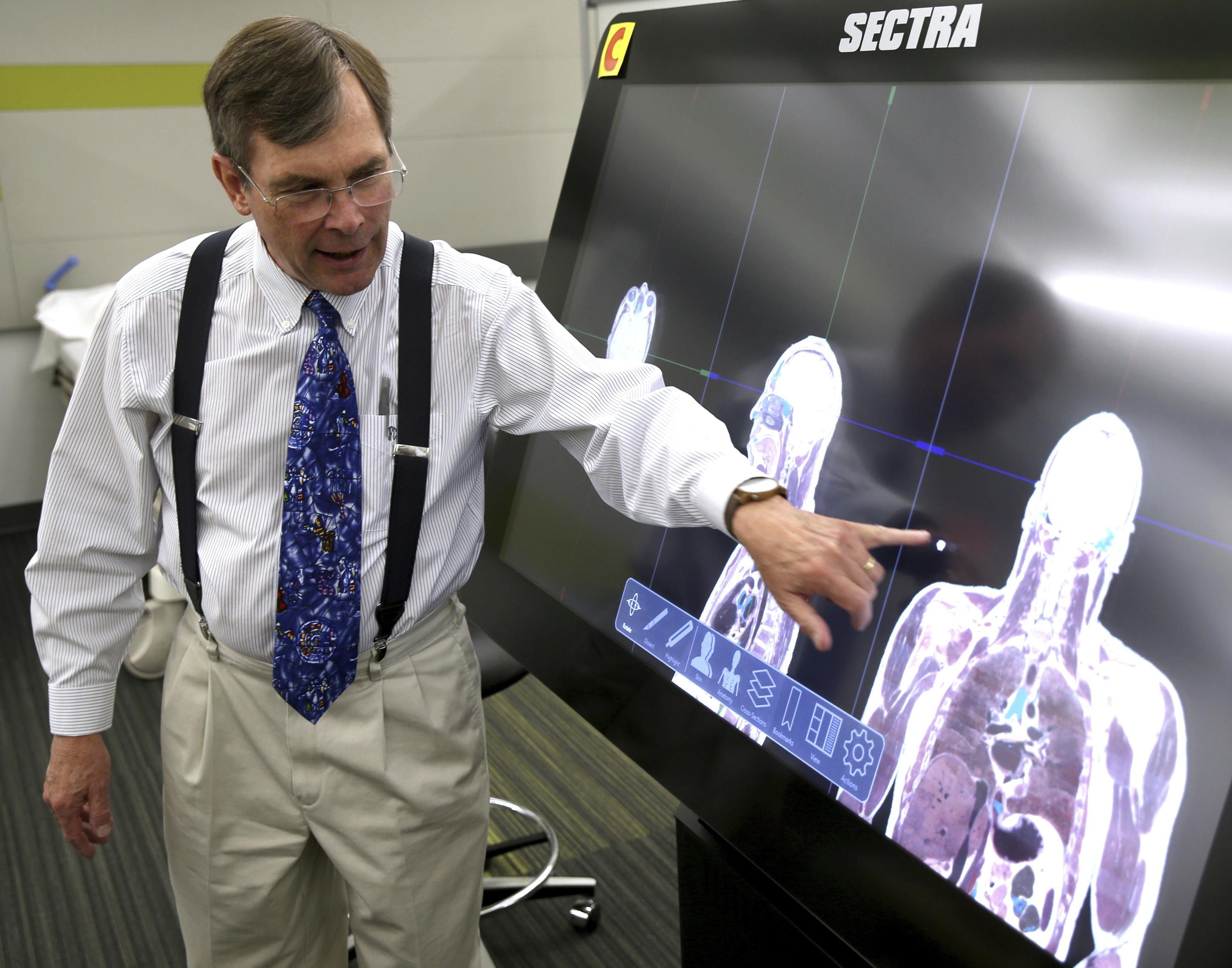 UNLV med school would pair virtual, hands-on cadaver labs