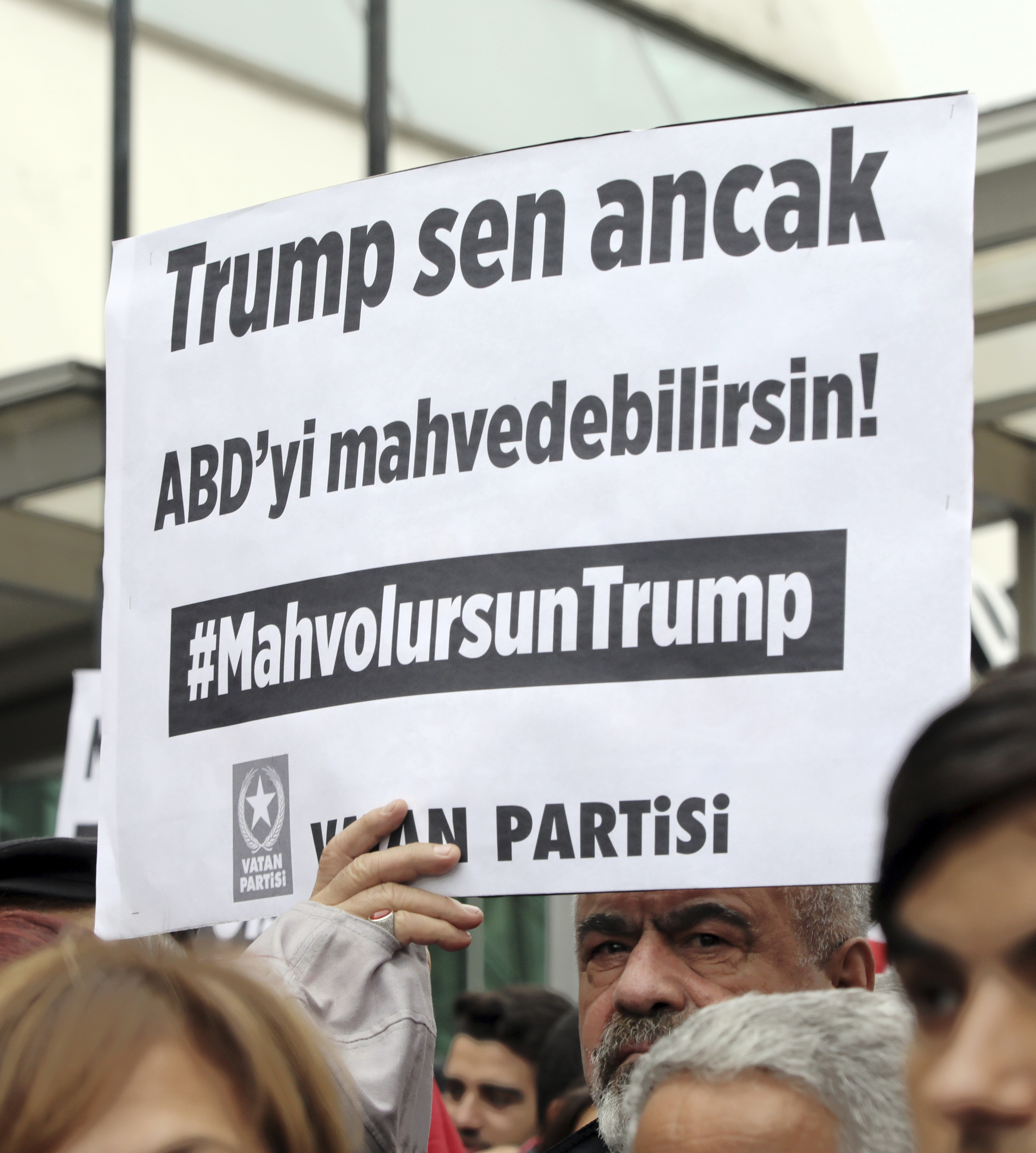 Twitter apologizes for letting 'Die Trump' trend in Turkey