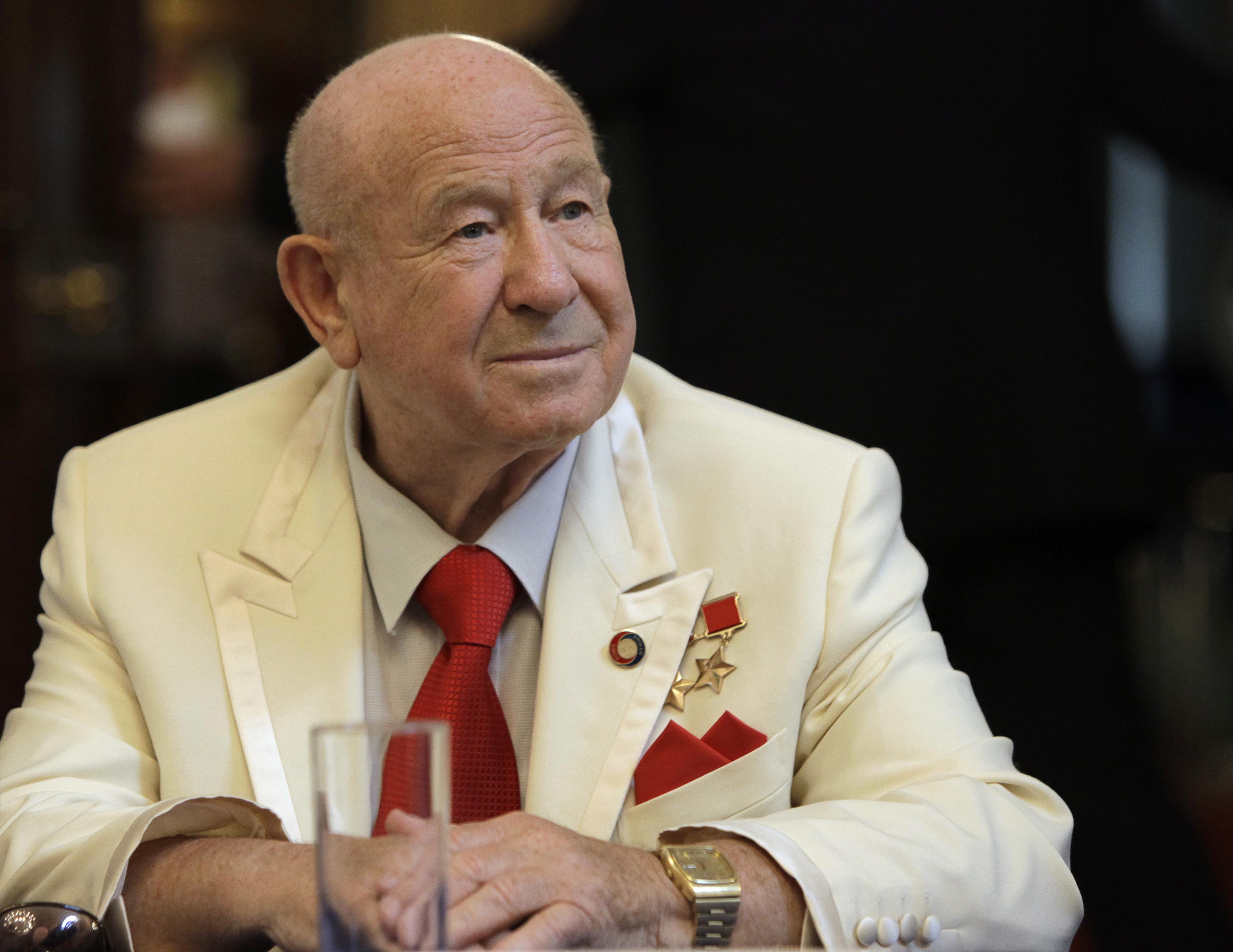 Legendary Soviet cosmonaut Alexei Leonov buried in Russia