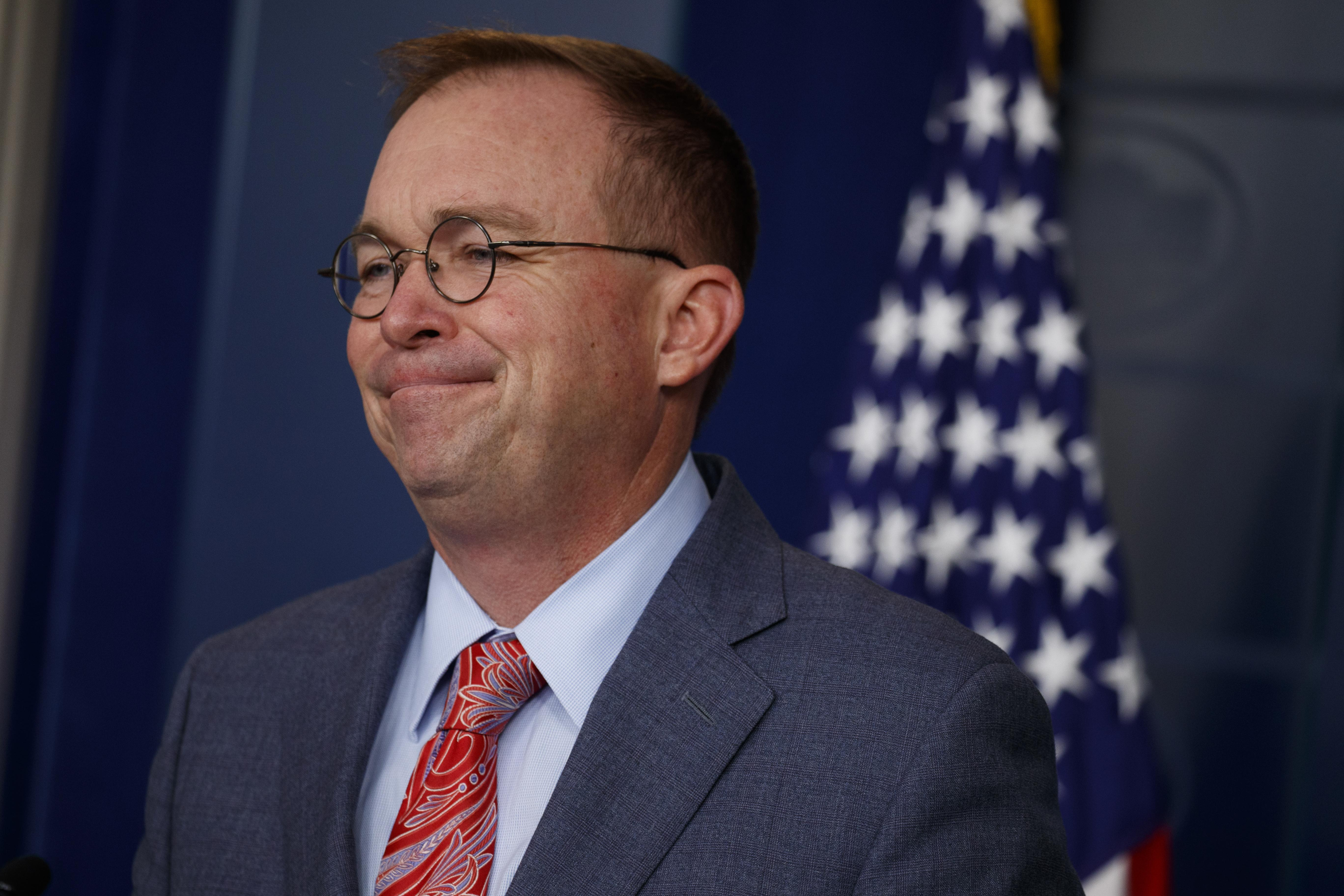 Top Republicans embrace Mulvaney defense, deny any admission of quid p