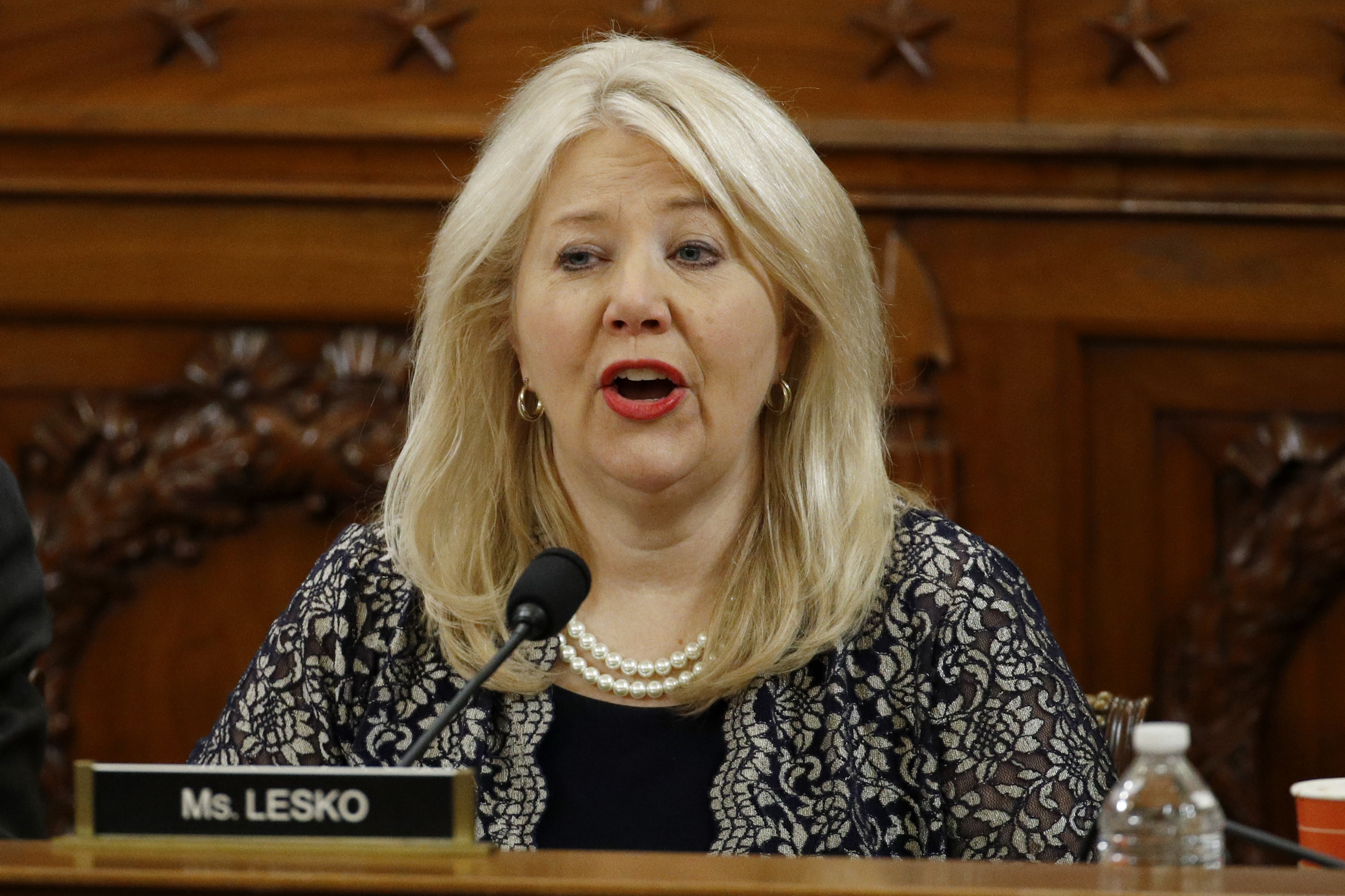 Rep. Debbie Lesko fires back at Bette Midler: 'Wind beneath your wings has turned into hot air'