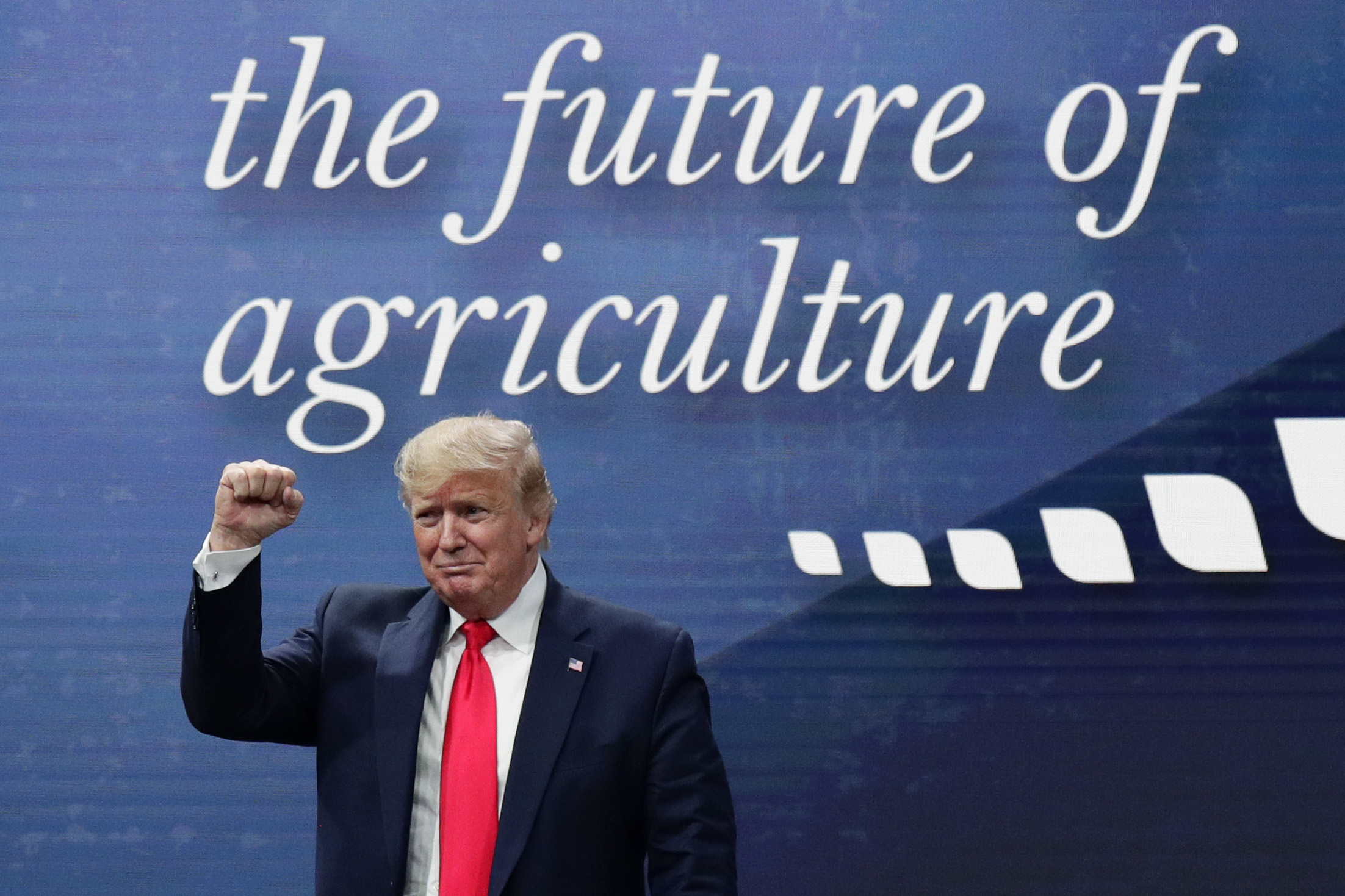 """'Sticking with Trump': President praises farmers' """"fortitude"""" in surviving trade war"""
