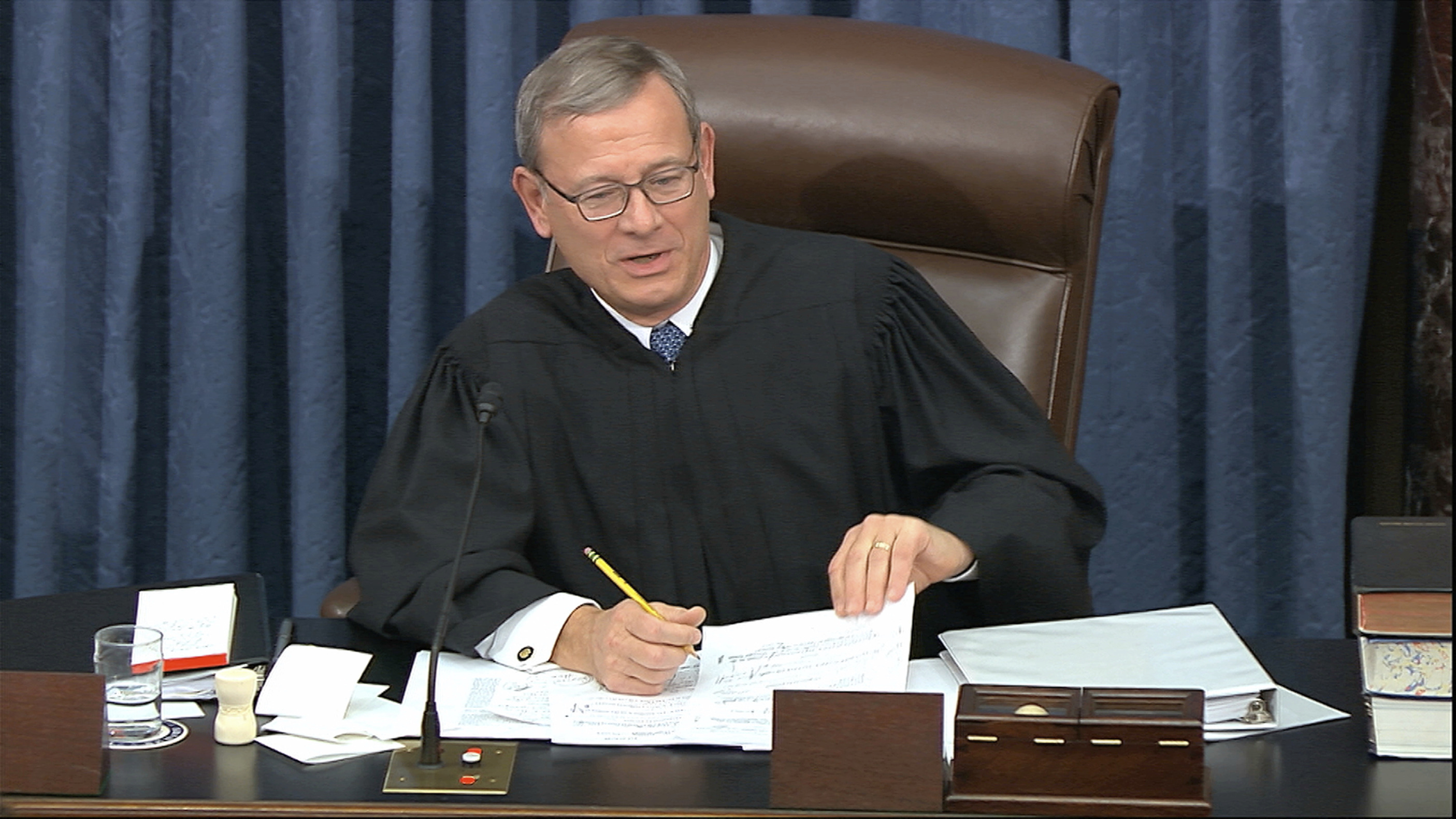 Chief Justice Roberts admonishes during Senate trial: Both sides 'should remember where they are'