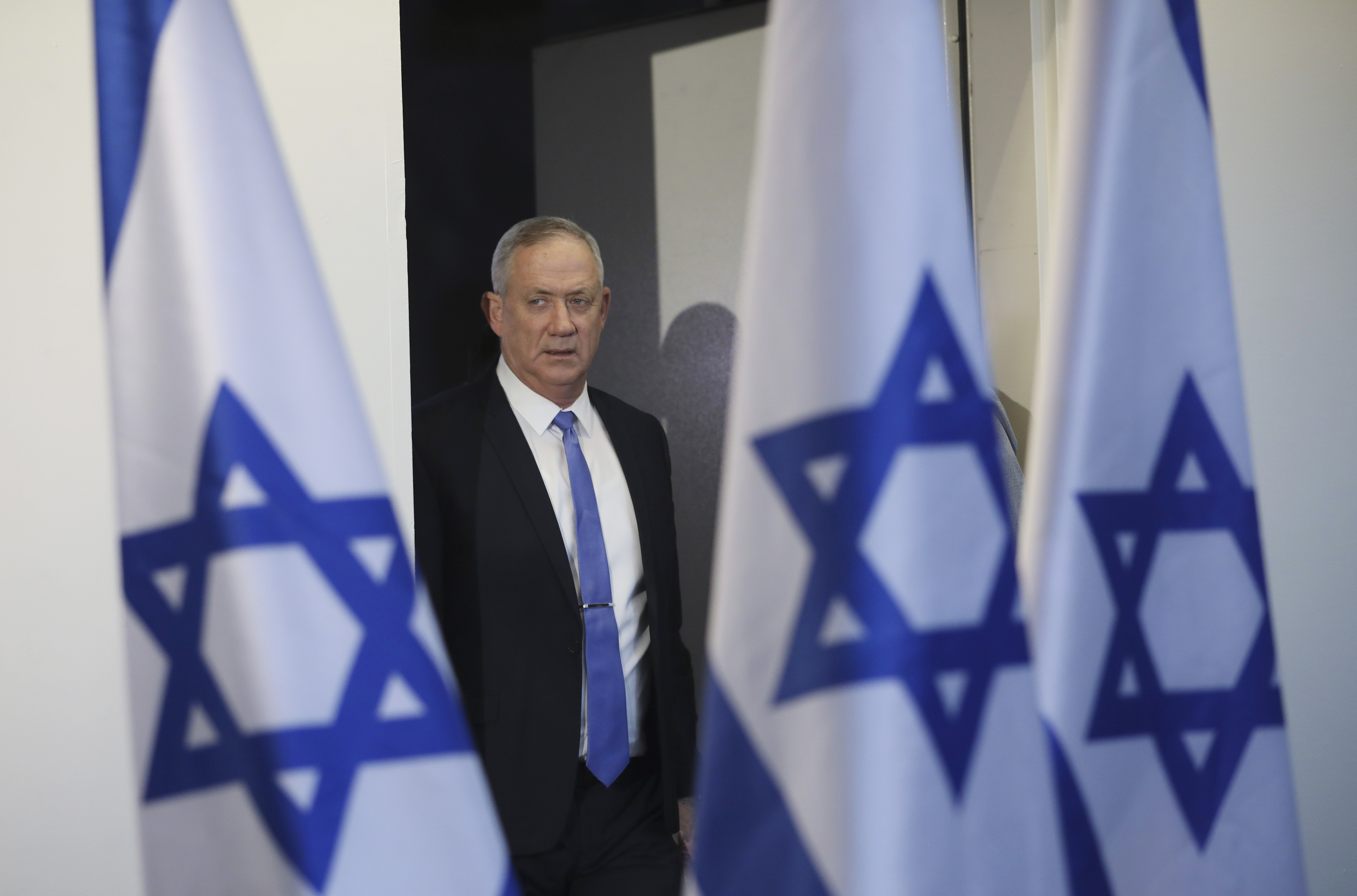 Benny Gantz, Netanyahu rival, accepts White House invitation to discuss peace deal with Donald Trump