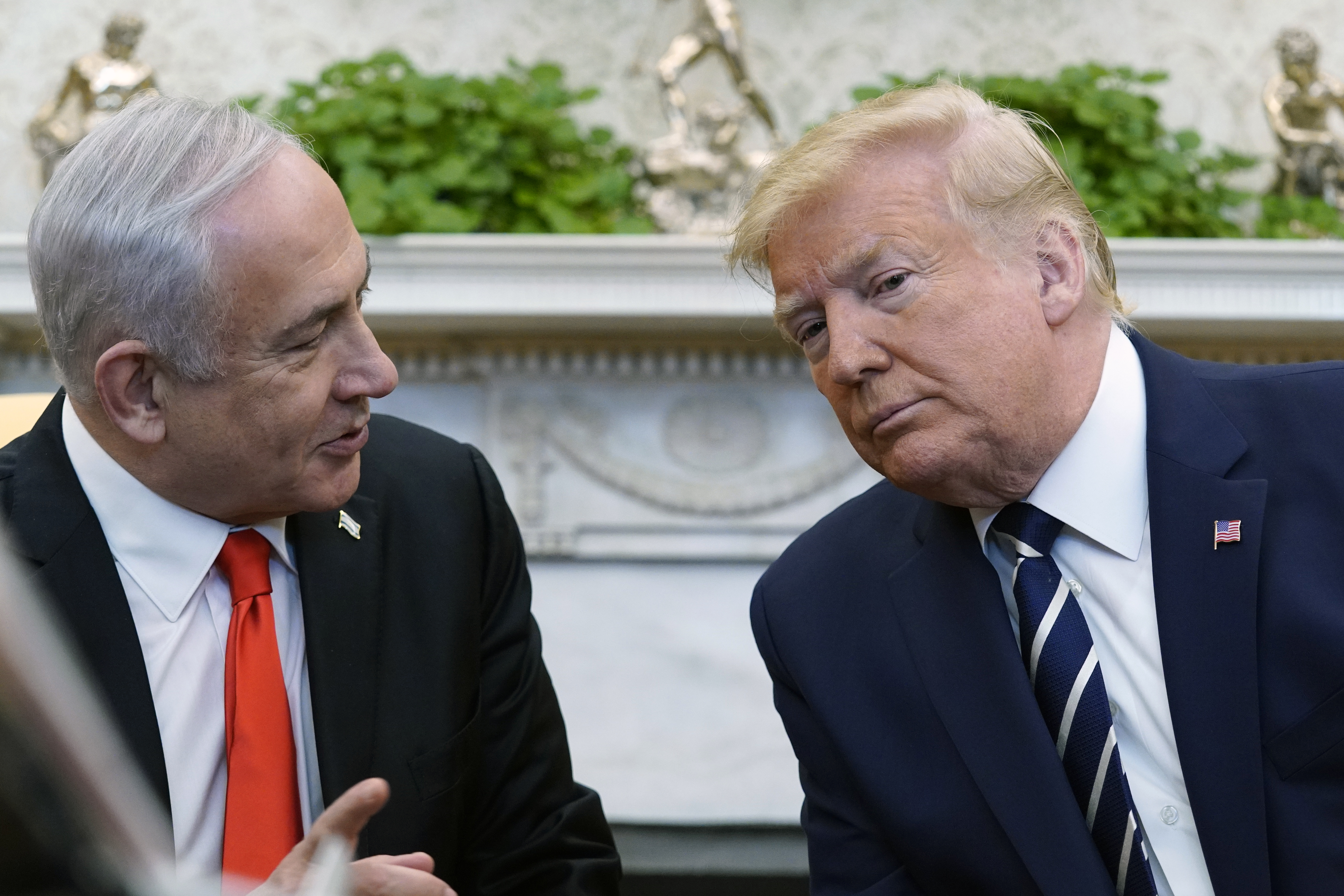 Donald Trump greets Benjamin Netanyahu to talk Israel-Palestine peace