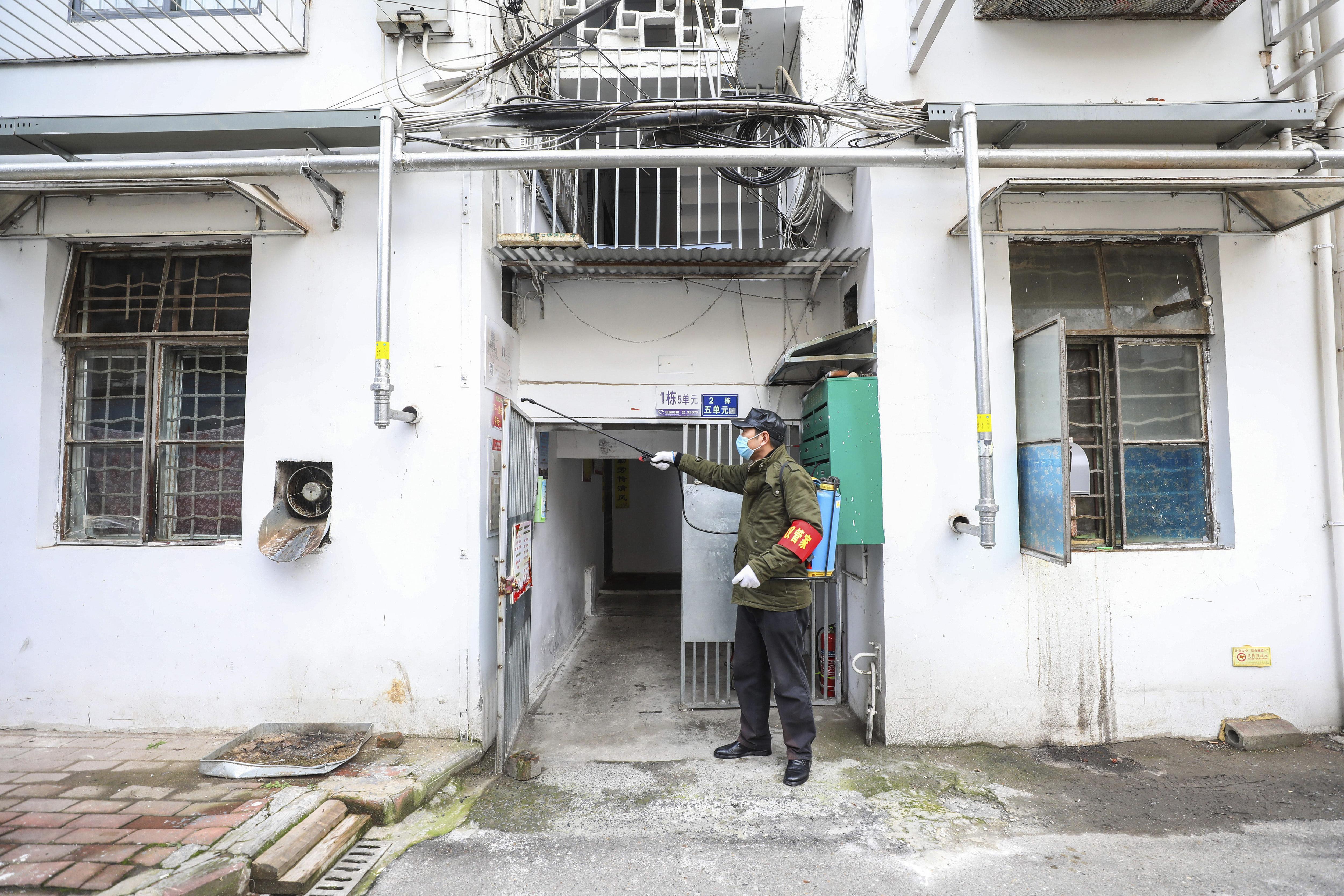 china coronavirus victims exhibit zombie like behaviour