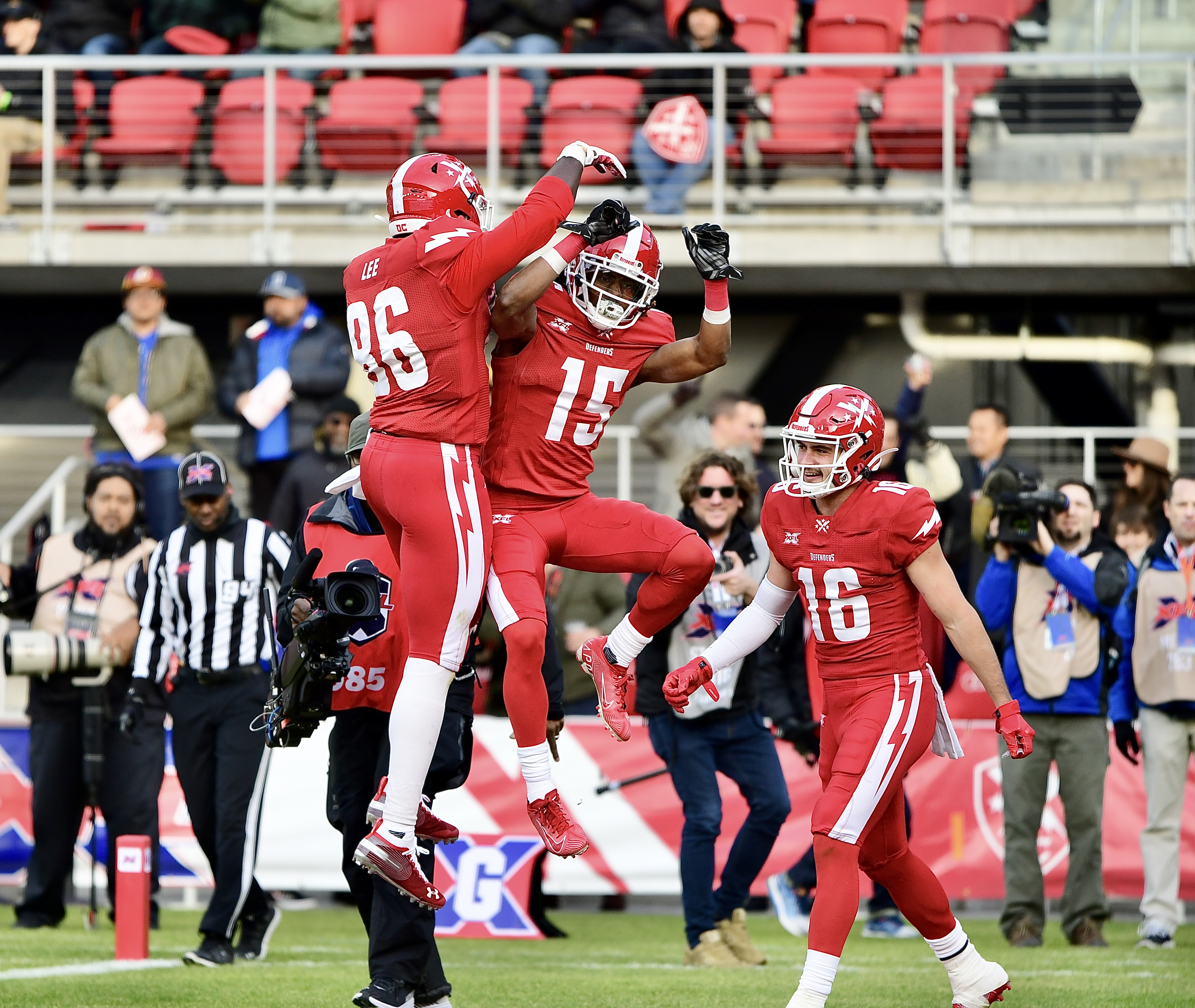 Khari Lee, DC Defenders tight end, signs with Falcons - Washington ...