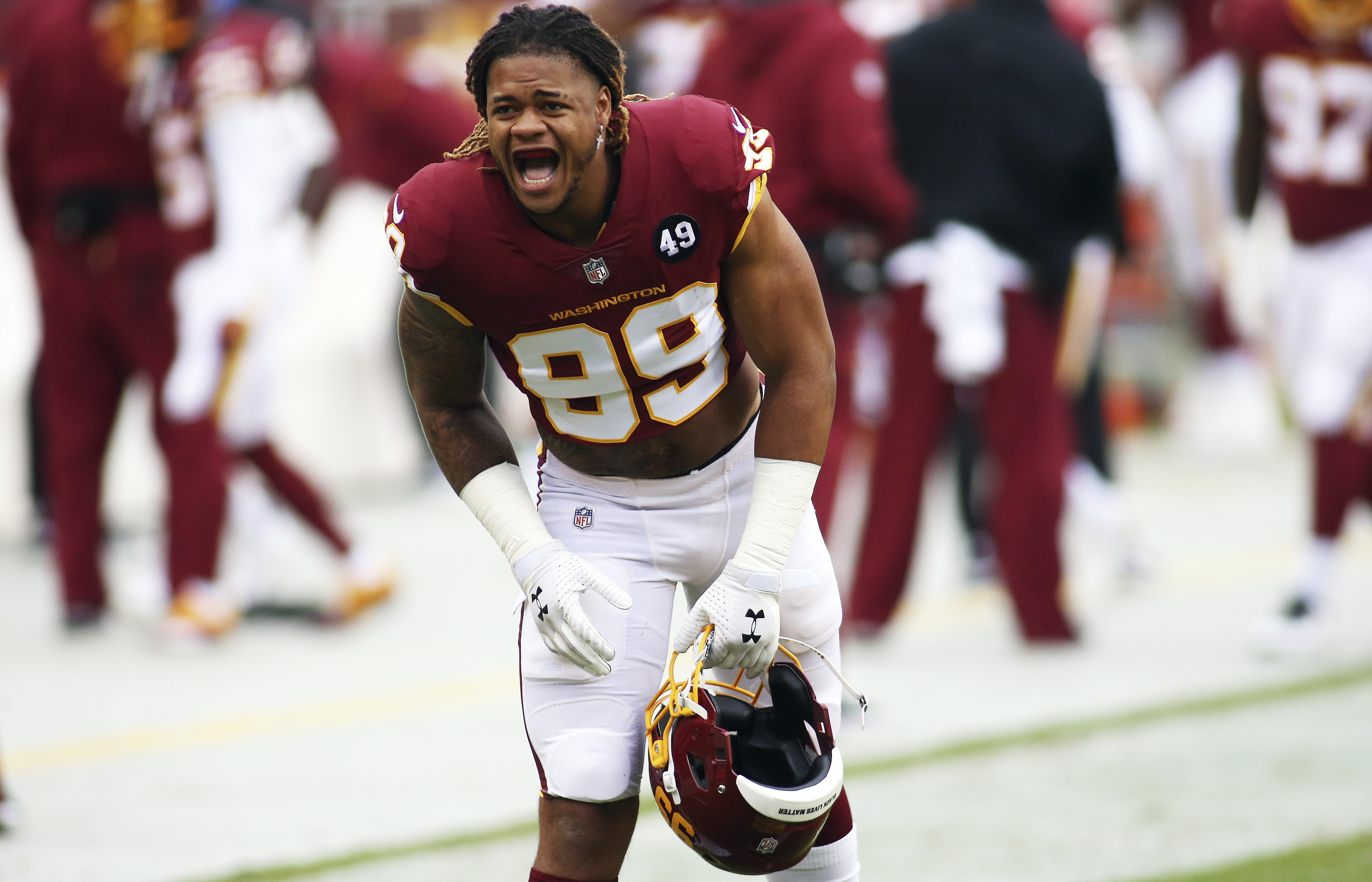 Chase Young Faces Tough Critic Over Lack Of Sacks His Mom Washington Times